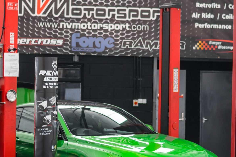 GREEN BMW M4