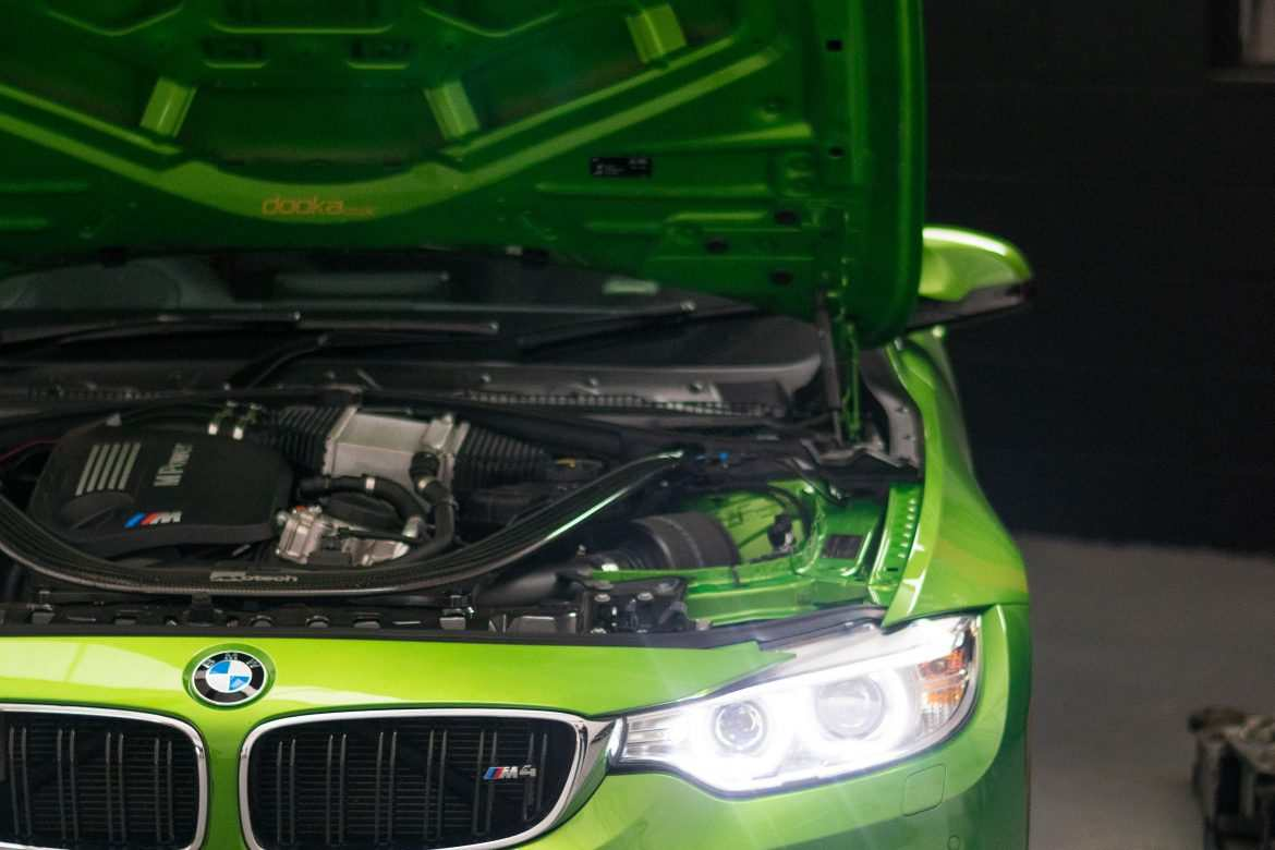 BMW M4 Green front
